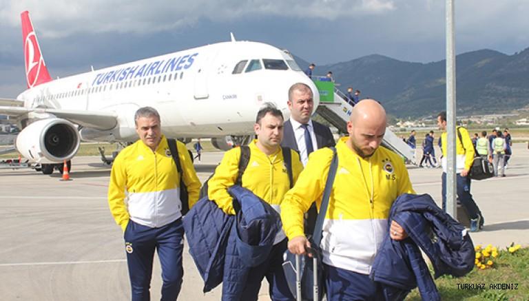 Fenerbahçe takımı Gazipaşa'ya geldi