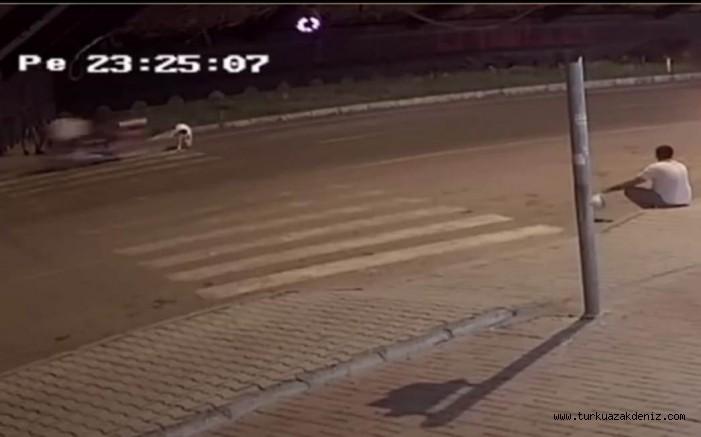 Gazipaşa Motosiklet köpeğe çarptı. Köpek ölürken, sürücü yaralandı
